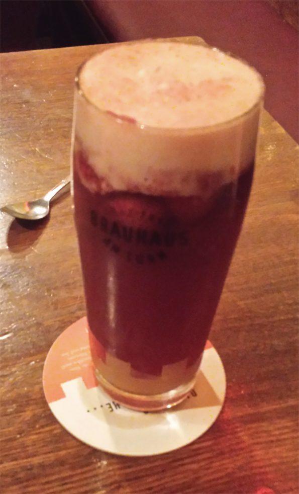 Rosa Erdbeer-Bier-Bowle mein Stammgetränk vom Stammtisch