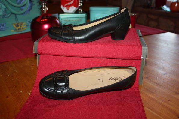 Schuhe fürs Büro - nicht so hoch und gut zum Laufen - von Gabor ca. 75,00€