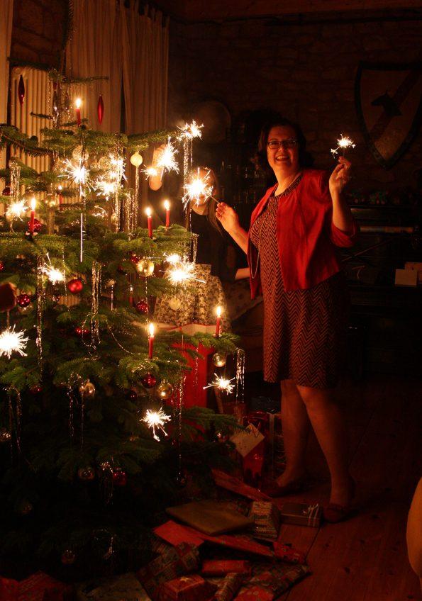 Christbaum mit Wunderkerzen