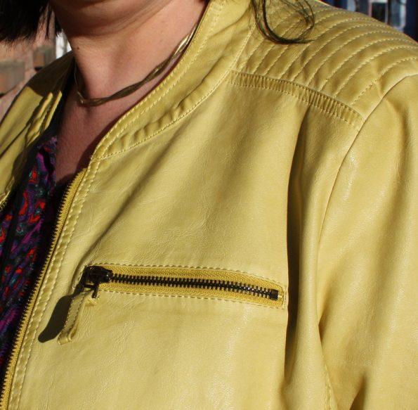 Runde Mode gelbe Fakeleder-Jacke