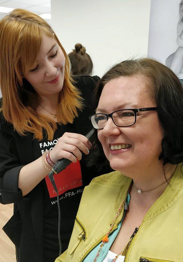 Styling - Makeup und Haare brauchen ein Makeover